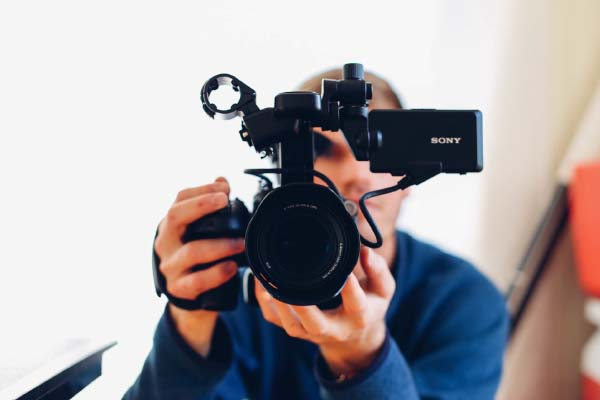 Do you Vlog? Build your customer loyalty with a video blog